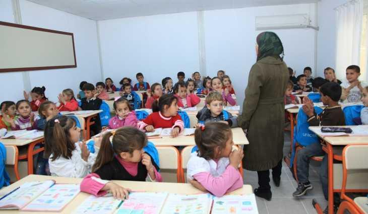طريقة انتقال المعلم السوري في تركيا من مدرسة إلى أُخرى ضمن الولاية وبين الولايات