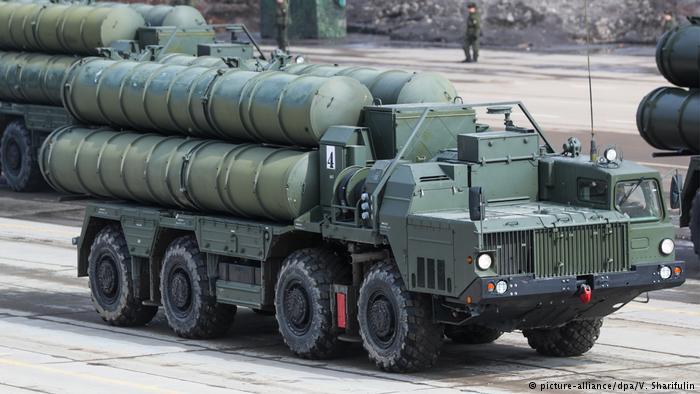 """لافروف: ننظر الإسراع في تسليم تركيا منظومة الدفاع الجوية """"إس 400"""""""