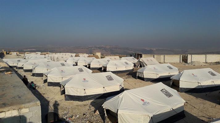 كتدبير احتياطي… الهلال الأحمر التركي يبني مخيمات نزوح جديدة في الشمال السوري