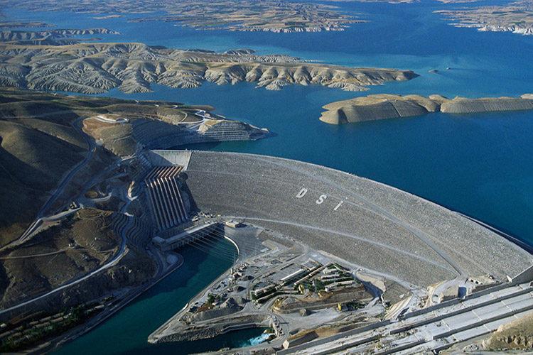 وزير الموارد المائية العراقي يزور تركيا قريبًا لإبرام اتفاقيات هامة