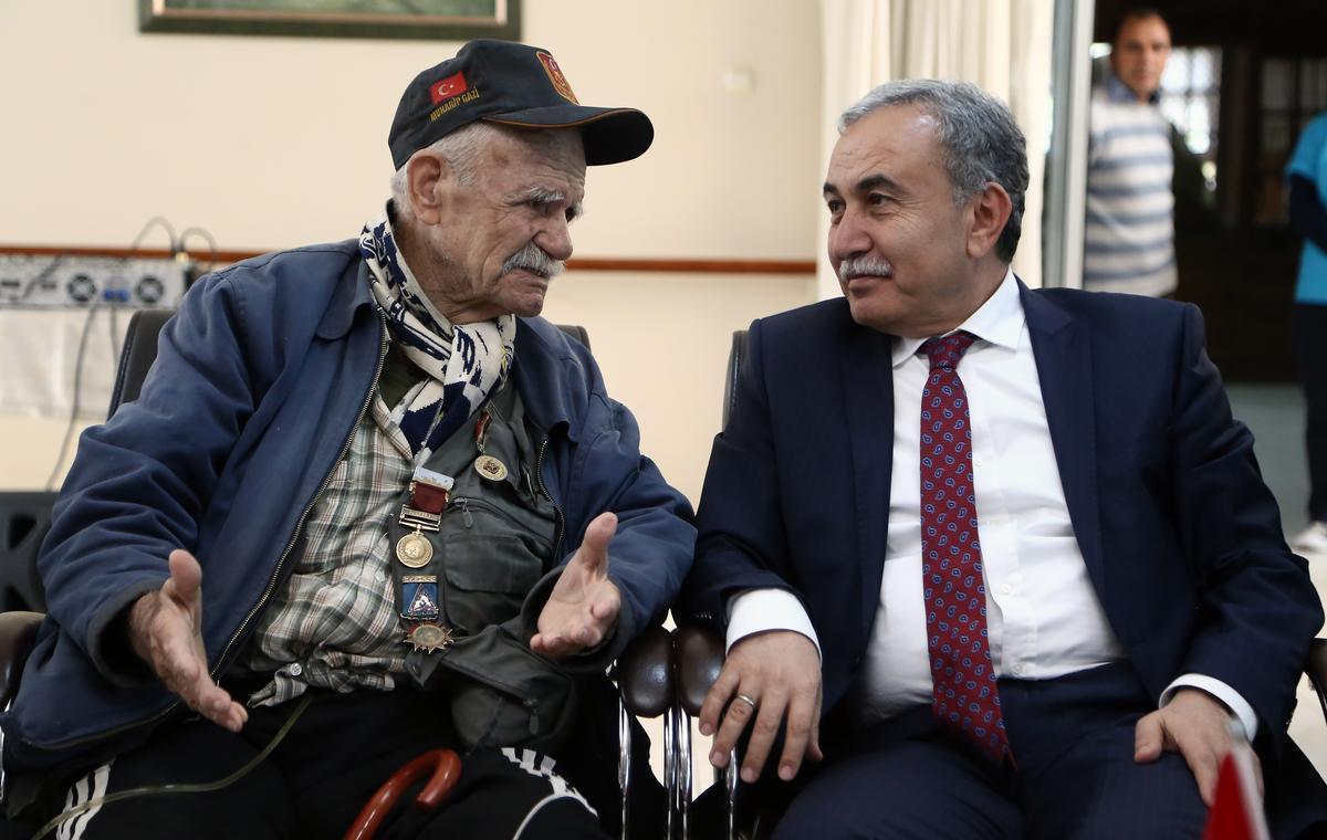 """خدمات الرعاية التي تقدمها الحكومة التركية لكبار السن """"العجزة"""" الذين ليس لديهم معيل أو راتب"""