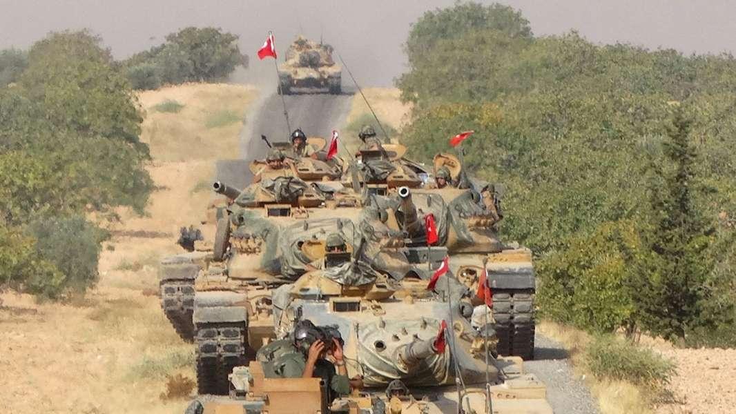 عاجل: أرتال عسكرية ضخمة تدخل سوريا وتتمركز في محيط إدلب