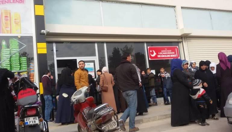 خبر سار وآخر مزعج للسوريين في تركيا