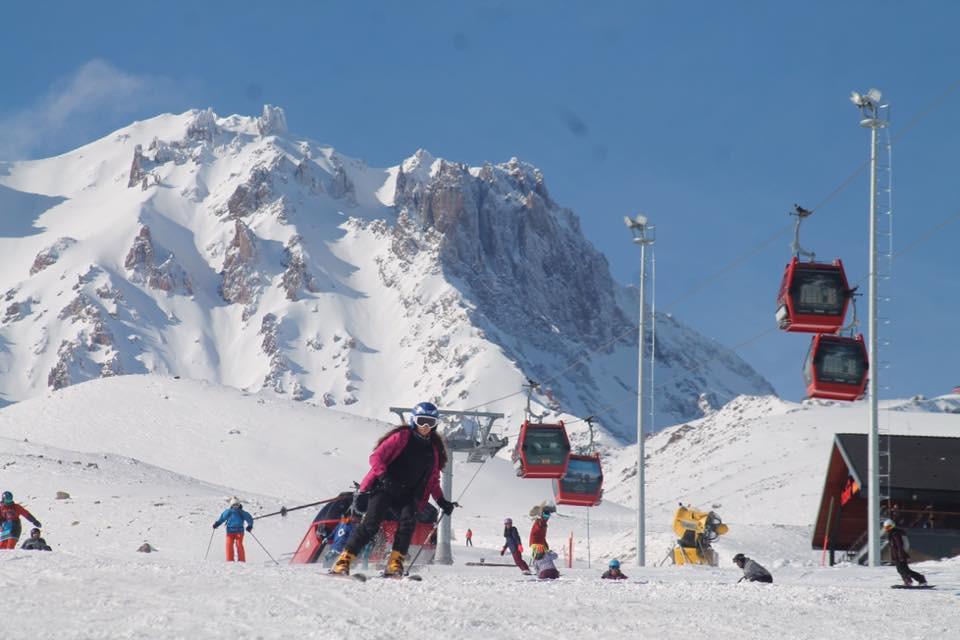 هل أنت في تركيا ومن عشاق التزلج .. ننصحك بالذهاب إلى هذا المكان