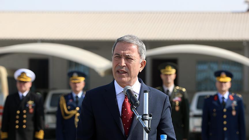 وزير الدفاع التركي: بعض الخونة يتعمدون التضليل فالقوات المسلحة التركية تستهدف الإرهابيين فقط وليس الأكراد أو العرب