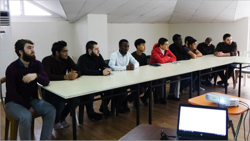 تركيا.. مخيم للغة العربية يجمع طلابا من 15 بلدا