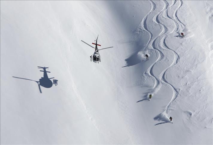 """""""جبال كاشغر"""" التركية.. قبلة محترفي التزلج حول العالم"""