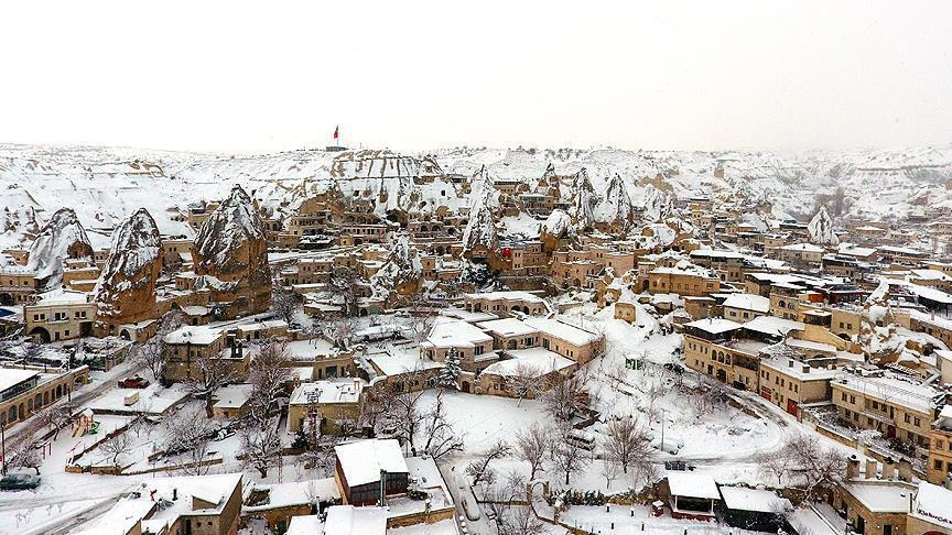 """بلدة """"غورمه"""" التركية.. سياح بألف ضعف سكانها"""