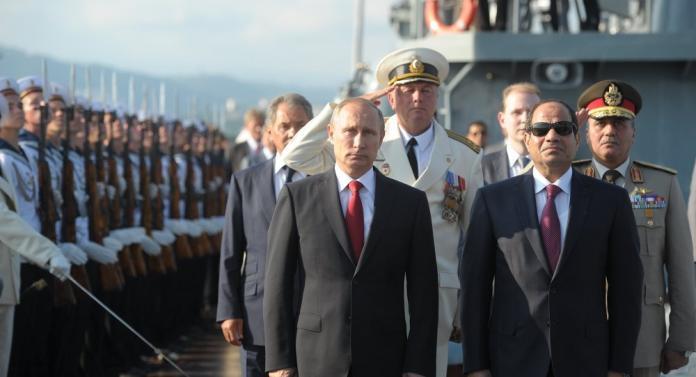 """خطة لبوتين والسيسي: طائرة روسية تجهّزت لنقل """"الأسد"""" إلى دولة عربية"""