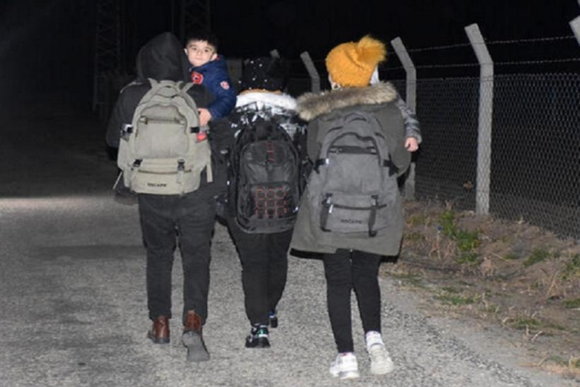 """مشروع قانون الهجرة الجديد في السويد يخـ.ـيف السوريين من """"التجربة الدنماركية"""""""