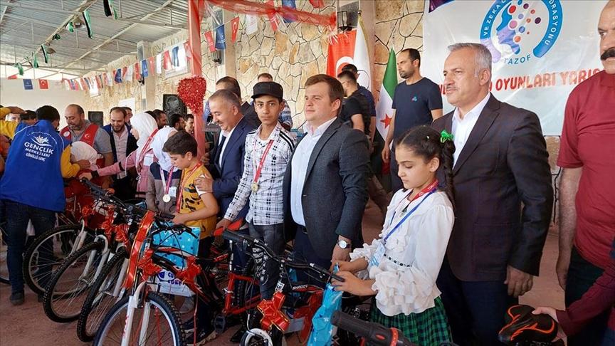 """إقامة صالة ألعاب ذكاء لطلاب منطقة """"الباب"""" السورية بدعم وإشراف تركي (صور)"""