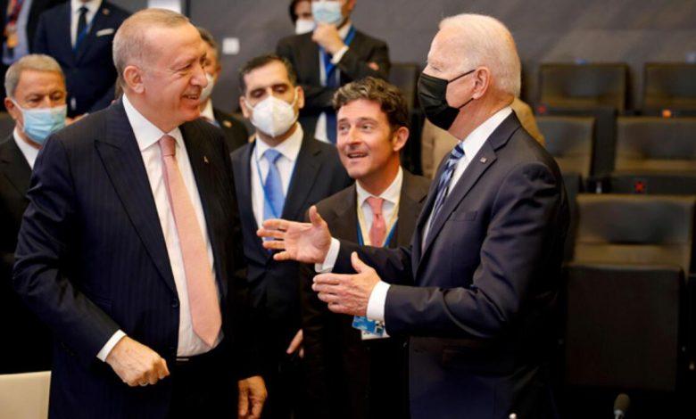 في ظل خلافات عميقة.. مشاورات أمريكية تركية