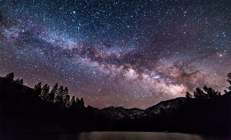 ما قصة اكتشاف تجويف عملاق في مجرة درب التبانة؟